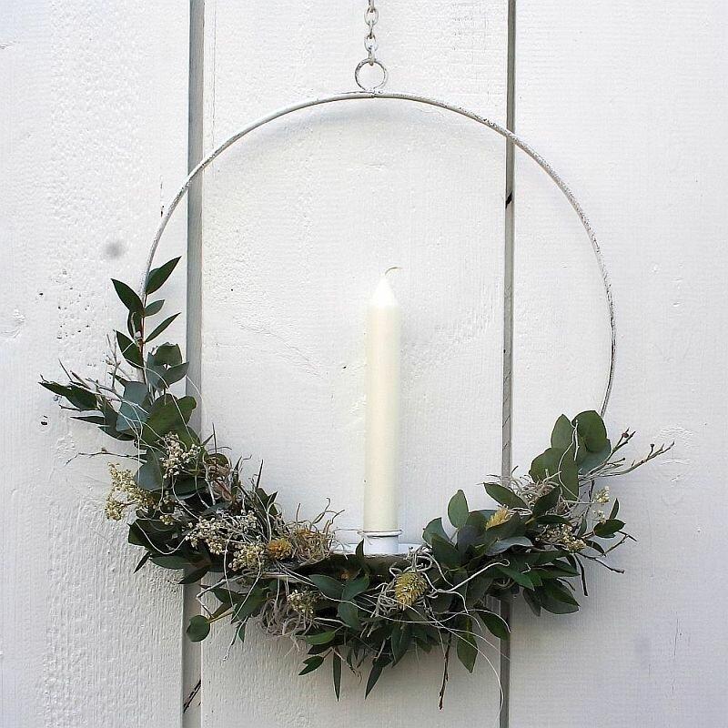 Tuerkranz Loop mit Kerze und frischem Eukalyptus 35 cm