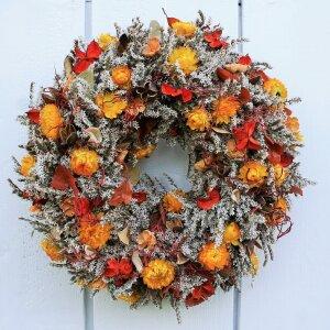 Türkranz mit Naturmaterialien und Strohblumen 32 cm