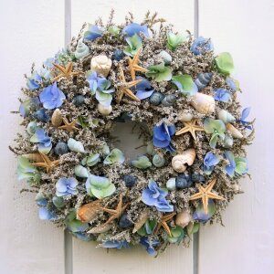 Türkranz mit blauen Hortensien und Naturmaterialien 32 cm