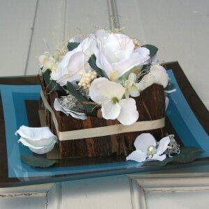 Tischdeko weiße Rosen mit Glasteller 26 cm