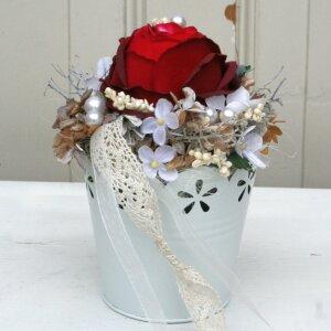 Tischdeko rote Rose und Zinktopf 17 cm