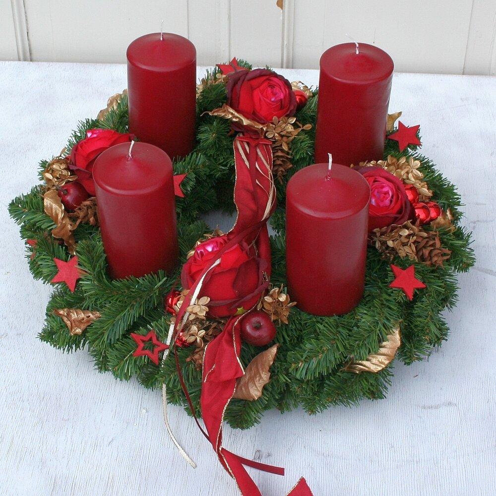 adventskranz xl k nstlich mit 4 roten kerzen 50 cm. Black Bedroom Furniture Sets. Home Design Ideas