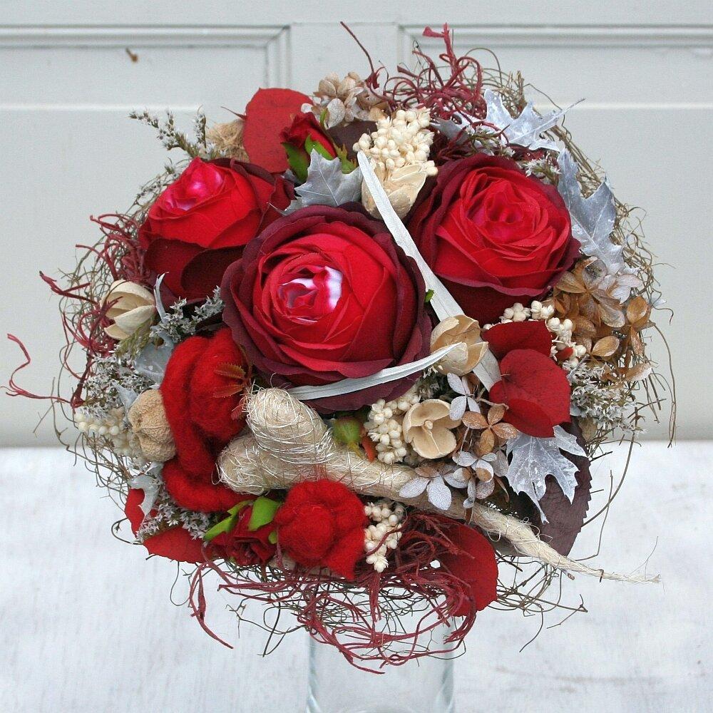 Geschenkstrauß Biedermeier mit roten Rosen