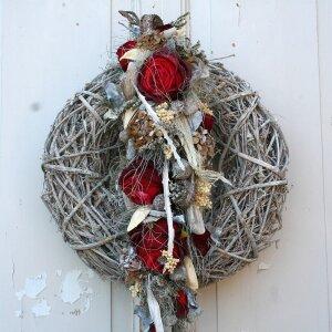Türkranz Landhausstil mit roten Rosen