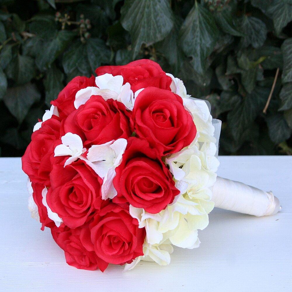 Brautstrauß Biedermeier Seidenblumen roten Rosen